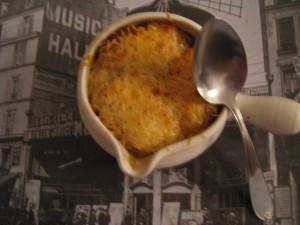 SOUPE GRATINÉE À L'OIGNON dans soupe img_9517-300x225