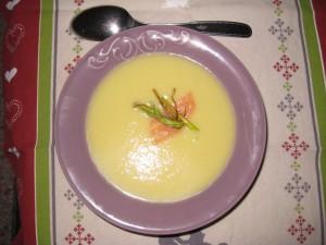 SOUPE POIREAUX-SAUMON FUMÉ dans soupe img_9691-300x225